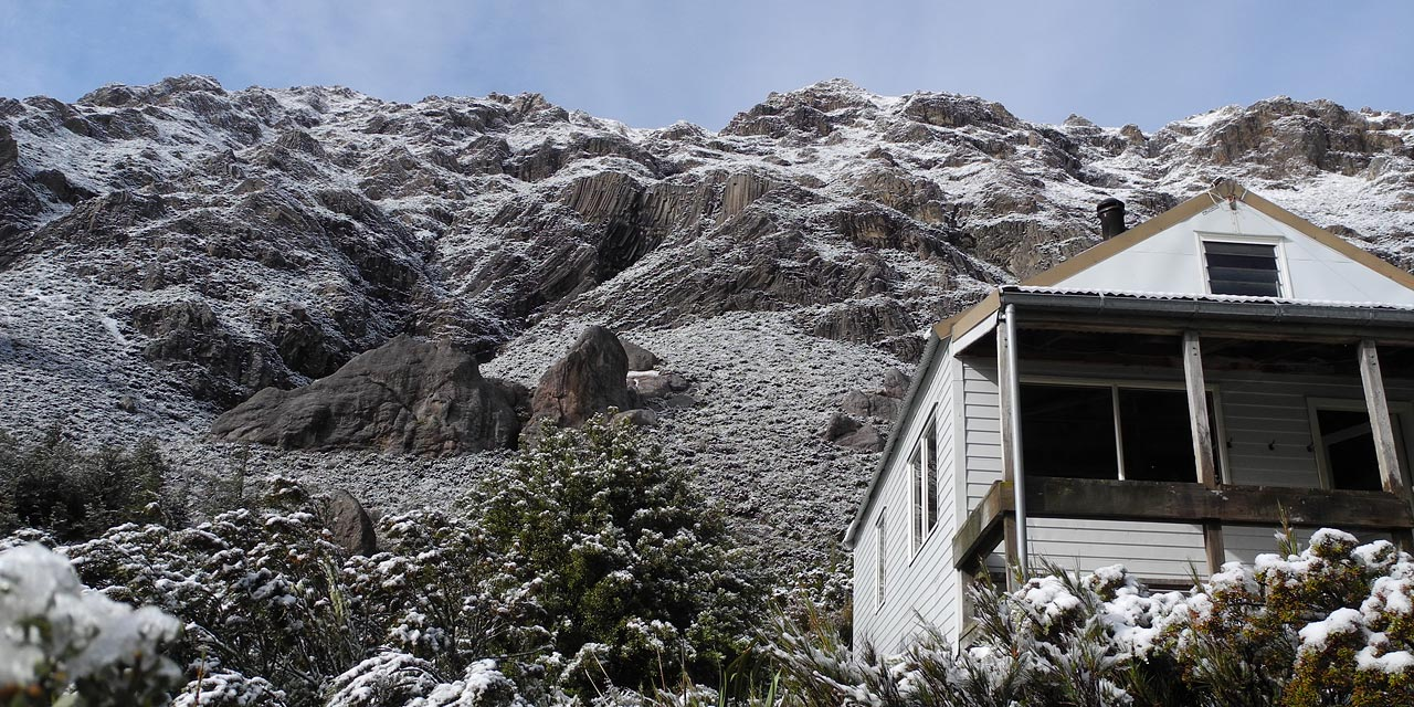Mt. Somers Rock and Pinnacles Hut