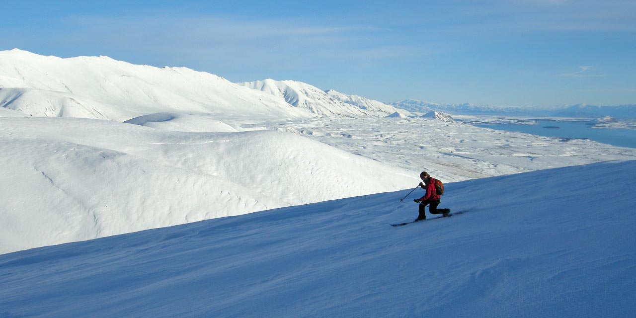 Telemark skiing in the Two Thumb Range above Lake Tekapo