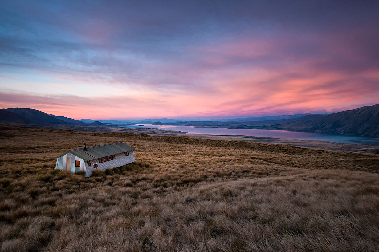 Sunset over Rex Simpson Hut, Tekapo Trek